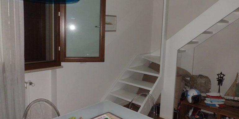 Signorile appartamento a Pinarella scala