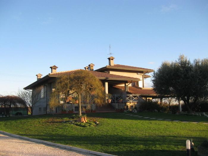 Villa con parco in vendita zona Cesena