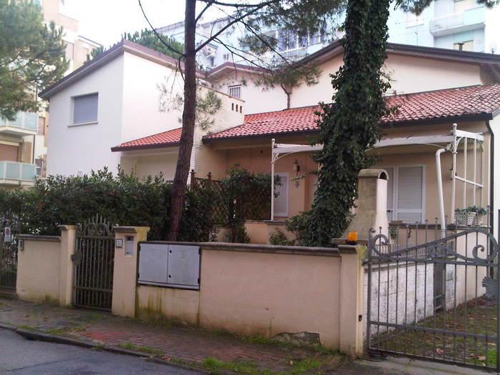 Vendesi appartamento indipendente a Milano Marittima