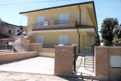 Appartamento al piano terra in vendita a Castiglione