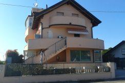 Trilocale in vendita a Villa Inferno