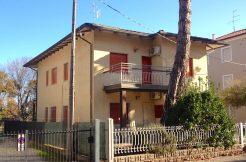 Trilocale fronte mare in vendita a Pinarella