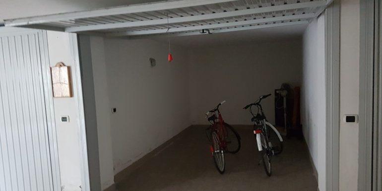 Bilocale in vendita a Pinarella garage
