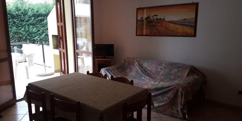 Bilocale in vendita a Pinarella soggiorno