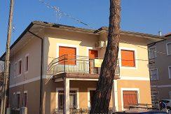 Pinarella di Cervia trilocale in vendita Fronte Mare facciata