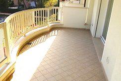 Appartamento tre camere in vendita a Pinarella balcone