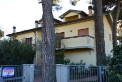 CERVIA Appartamento in villa fronte mare pineta