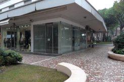 Affitto negozio in centro a Milano Marittima
