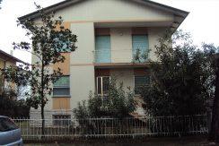 Villa di quattro appartamenti in vendita a Tagliata