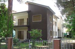 Villa bifamiliare in vendita a Milano Marittima