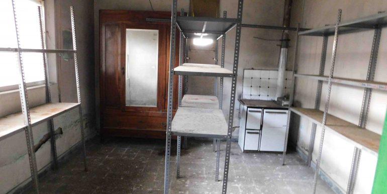 Fabbricato ad uso residenziale e commerciale in vendita