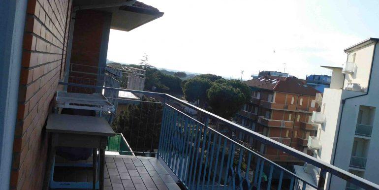 19 balcone letto