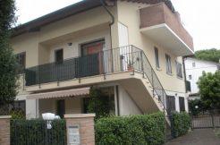 Appartamento in vendita in Via Lucania a Pinarella