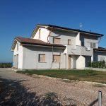 Villa bifamiliare al grezzo al confine con Cervia